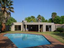 Flat-Apartment in to rent in Vaal Park, Sasolburg