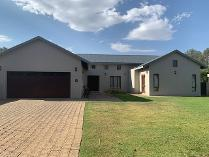House in to rent in The Island Estate, Hartebeespoort