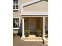 Duplex in to rent in Sterrewag Estate, Pretoria