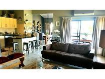 Penthouse in to rent in Jackal Creek Golf Estate, Roodepoort