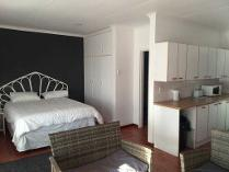 Flat-Apartment in to rent in Wavecrest, Jeffrey's Bay