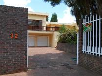 5 Bedroom House For Sale In Kloofendal