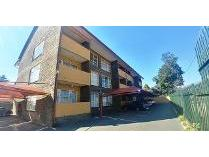 House in to rent in Roodepoort, Roodepoort