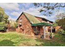 Townhouse in for sale in Kilner Park, Pretoria