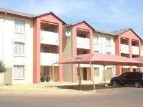 Flat-Apartment in to rent in Monavoni Ah, Centurion