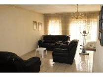 House in for sale in Brackendowns, Alberton