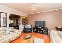 House in for sale in Goodwood, Goodwood