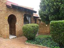 3 Bedroom House For Sale In Glenvista