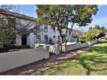 Townhouse in for sale in Stellenbosch Nu, Stellenbosch