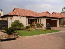 Cluster in for sale in Glen Marais Ext, Kempton Park