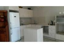 Contryhouse in to rent in Orchards, Johannesburg