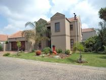 Cluster in for sale in Pomona Ah, Kempton Park
