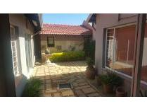 Office in to rent in Alberton, Alberton