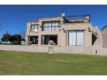 Townhouse in for sale in Sasolburg, Sasolburg