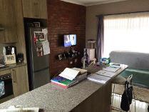 Flat-Apartment in to rent in Van Der Hoff Park Sp, Potchefstroom