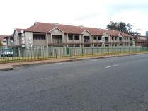 Flat-Apartment in for sale in Cnr Oak & Retail Streets, Randburg, Ferndale, Randburg