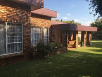 House in to rent in 29 Stinkhout Street, Vanderbijlpark Se 3, Vanderbijlpark