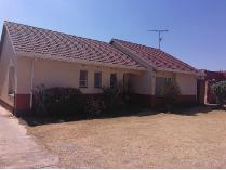 House in to rent in Cresslawn, Kempton Park
