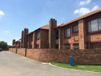 Townhouse in for sale in Edleen, Kempton Park