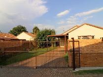 Townhouse in for sale in Bonaero Park, Kempton Park