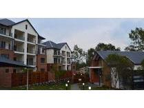 Townhouse in to rent in Oakdene, Johannesburg