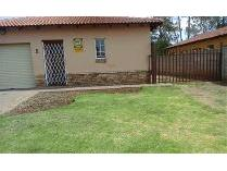Flat-Apartment in to rent in Waterval, Rustenburg