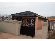 House in for sale in Mapetla, Mmakau