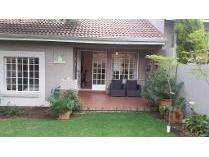 Cluster in to rent in Modderfontein, Johannesburg