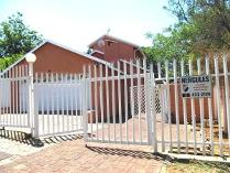 3 Bedroom House For Sale In Meredale