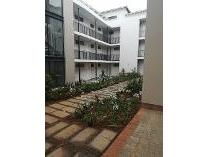 Flat-Apartment in to rent in Fairland, Randburg