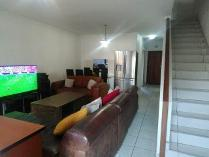 Flat-Apartment in to rent in Eastleigh, Edenvale