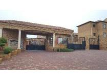 House in for sale in Chancliff Ah, Krugersdorp