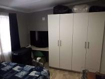 Flat-Apartment in to rent in Hurlyvale, Edenvale