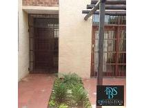 Townhouse in to rent in Sandton, Sandton
