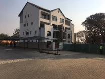 Flat-Apartment in to rent in Kyalami Hills, Midrand