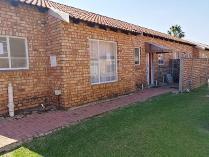Townhouse in to rent in Liefde En Vrede, Johannesburg