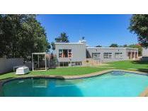 House in for sale in Glenvista, Johannesburg