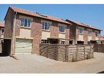 Duplex in to rent in Centurion, Centurion