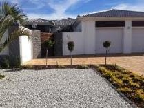 House in to rent in Sunset Beach, Milnerton