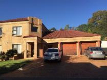 Duplex in to rent in Faerie Glen, Pretoria