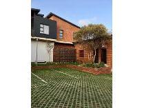 Flat-Apartment in to rent in Menlo Park, Pretoria