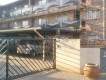 Flat-Apartment in for sale in Pretoria North, Pretoria