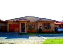 Cluster in for sale in Newmarket Park, Alberton