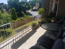Flat-Apartment in to rent in Monument, Krugersdorp