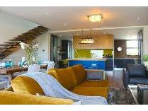 Flat-Apartment in for sale in Three Anchor Bay, Cape Town