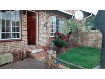 Townhouse in to rent in Noordheuwel, Krugersdorp