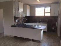Cluster in to rent in Kempton Park, Kempton Park