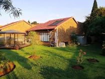 Townhouse in for sale in Birchleigh, Kempton Park