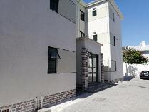 Flat-Apartment in for sale in Wynberg, Cape Town