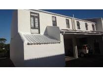Townhouse in to rent in Meadowridge, Cape Town